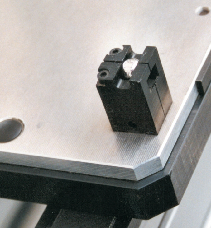Codage mécanique palettes TLM 5000 transferts linéaires modulaires elcom
